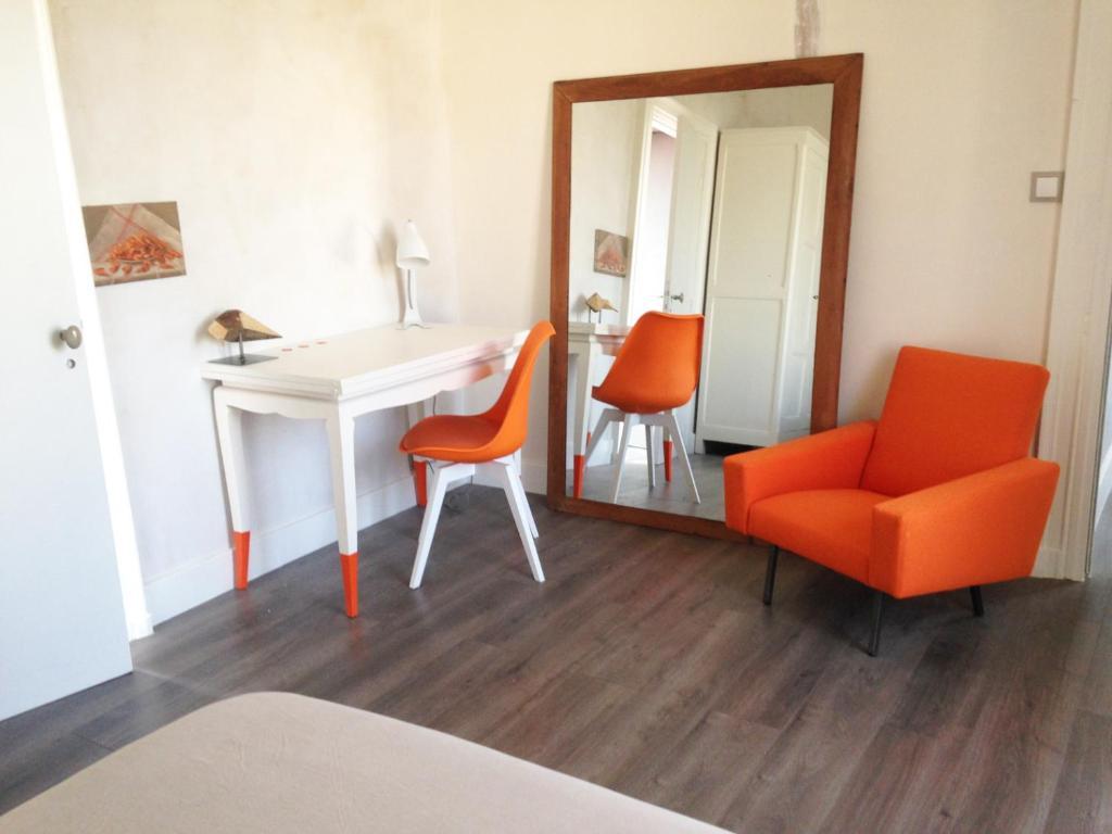 chambres d 39 h tes la maison bleue chambre d 39 h tes rez en loire atlantique 44 0 5 km de nantes. Black Bedroom Furniture Sets. Home Design Ideas