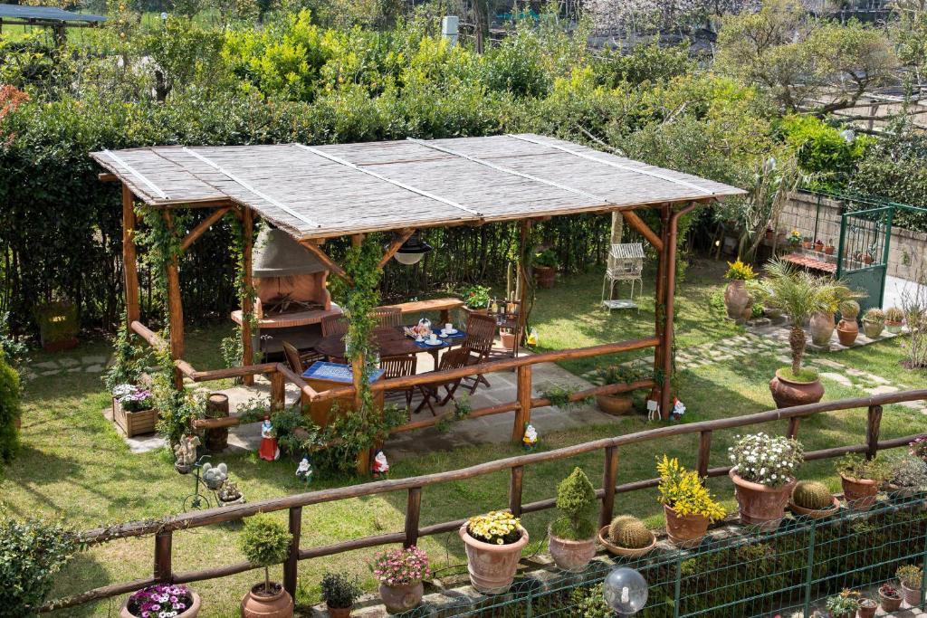 B b la casa nel giardino piano di sorrento book your for Nessun piano di casa nel seminterrato