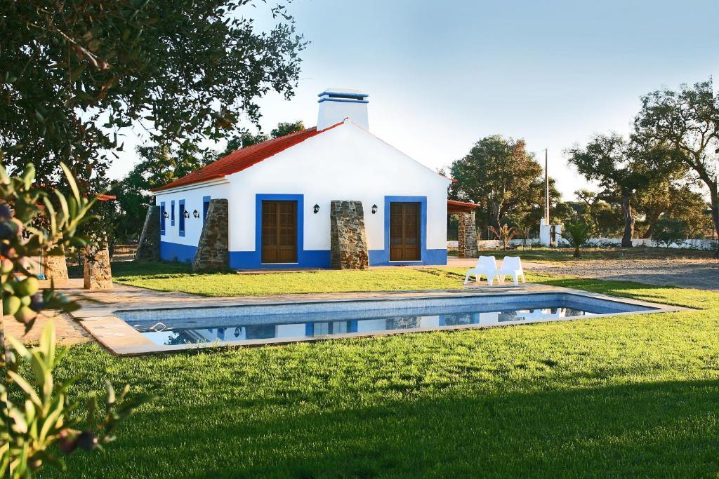 Monte Azul Casas de Campo do Junqueirinho Portugal Bicos