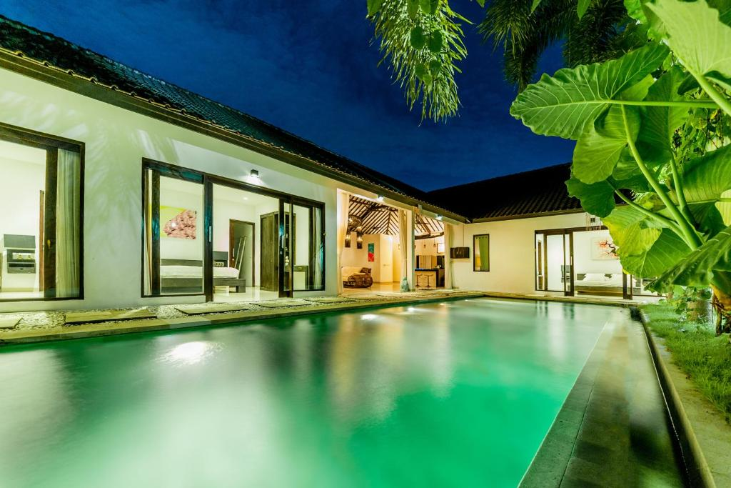 VILLA SARA (Indonesia Seminyak) - Booking.com