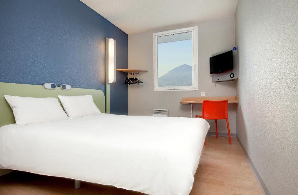 Ibis Hotel Clermont Ferrand France