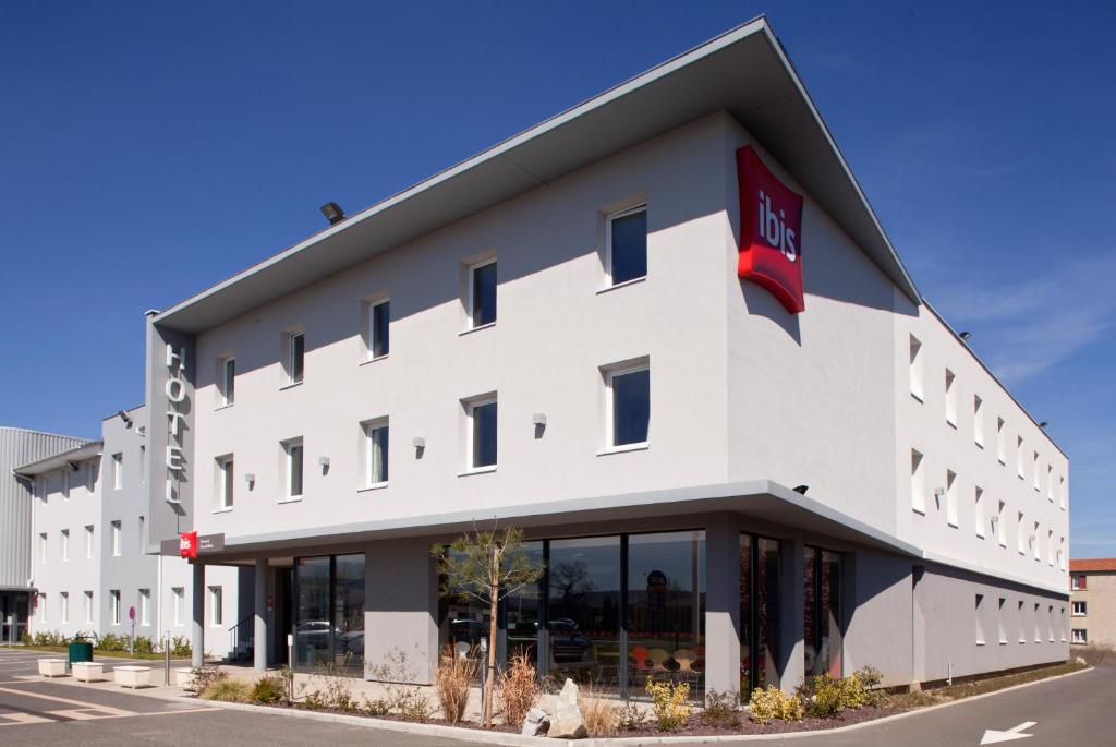 Ibis clermont ferrand nord riom riom book your hotel for Riom clermont