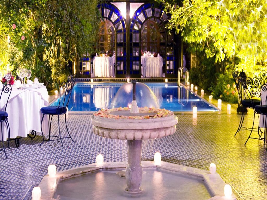 Hồ bơi trong/gần Palais Shéhérazade & Spa