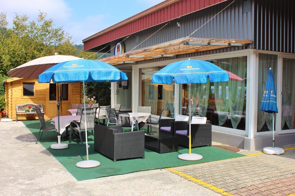 Motel sihlbrugg zug reserva tu hotel con viamichelin for Motel con piscina privada