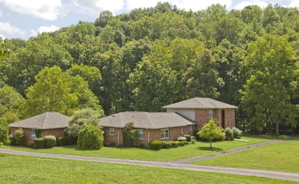 Nashville tn vacation rentals millersville book your for Cabin rentals vicino a nashville tn
