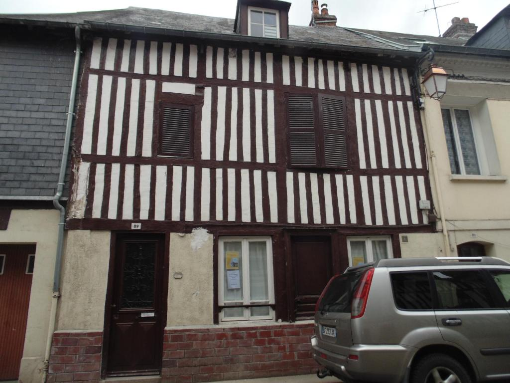 Vacation home maison normande traditionnelle honfleur for Maison traditionnelle