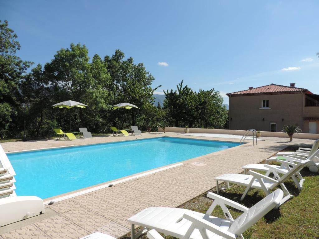 Le chatelet r servation gratuite sur viamichelin - Petit jardin hotel san juan saint paul ...
