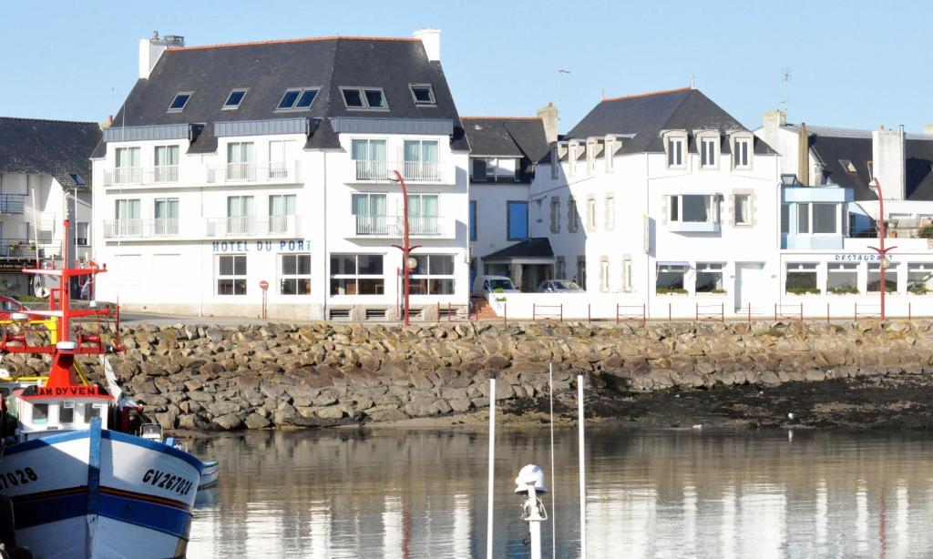 Hotel du port plobannalec lesconil for Apart hotel quimper
