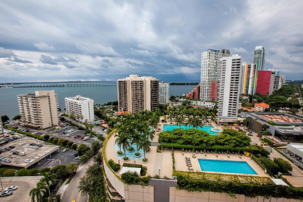 Fortune house hotel suites miami viamichelin for 185 se 14th terrace miami fl 33131
