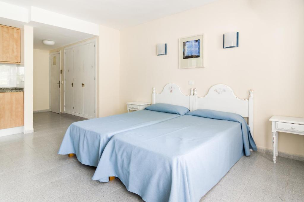Apartamentos Vista Club, Santa Ponsa, Spain - Booking.com
