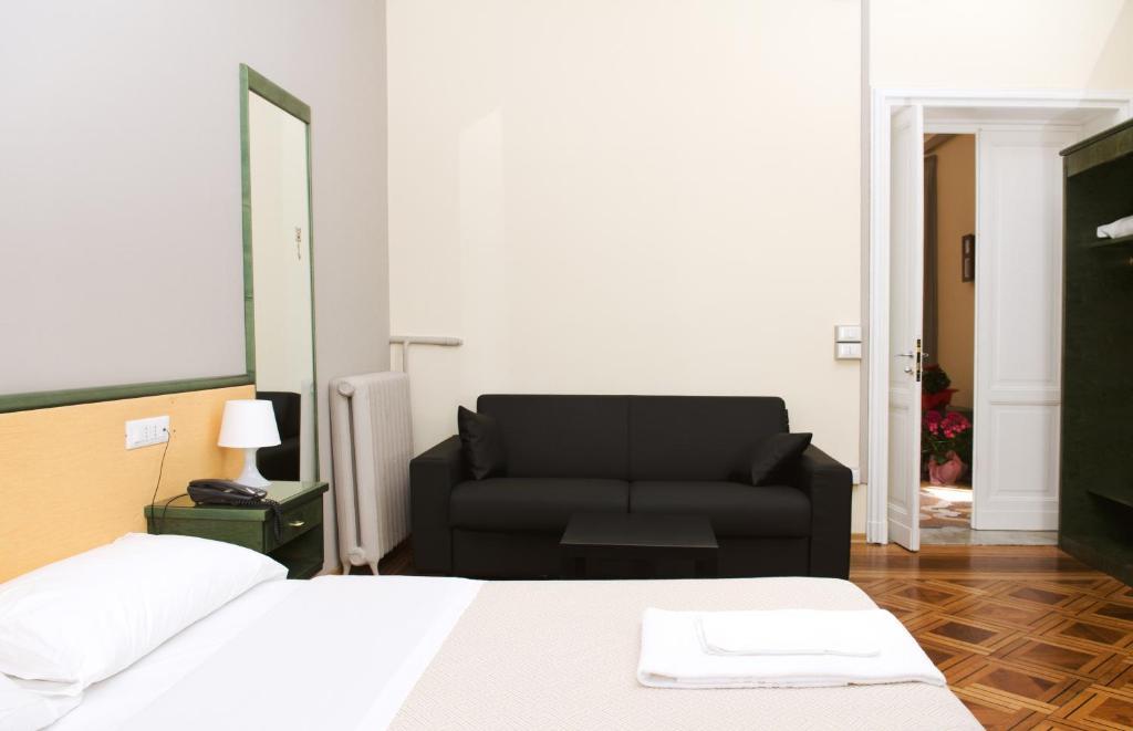 Hotel suisse genova prenotazione on line viamichelin for Hotel meuble suisse genova