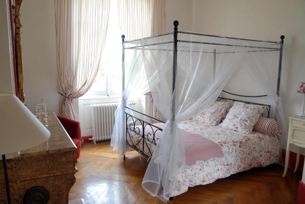 Chambres d 39 h tes ch teau de matel chambres d 39 h tes - Chambre d hote dans la loire 42 ...
