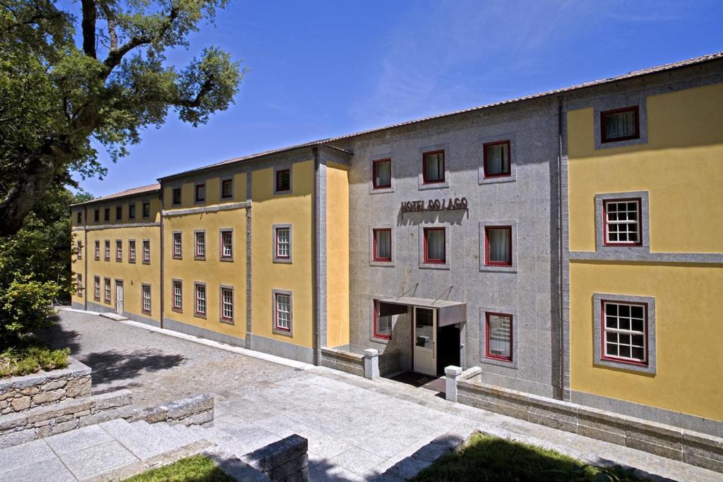 hotel do lago braga reserva tu hotel con viamichelin. Black Bedroom Furniture Sets. Home Design Ideas