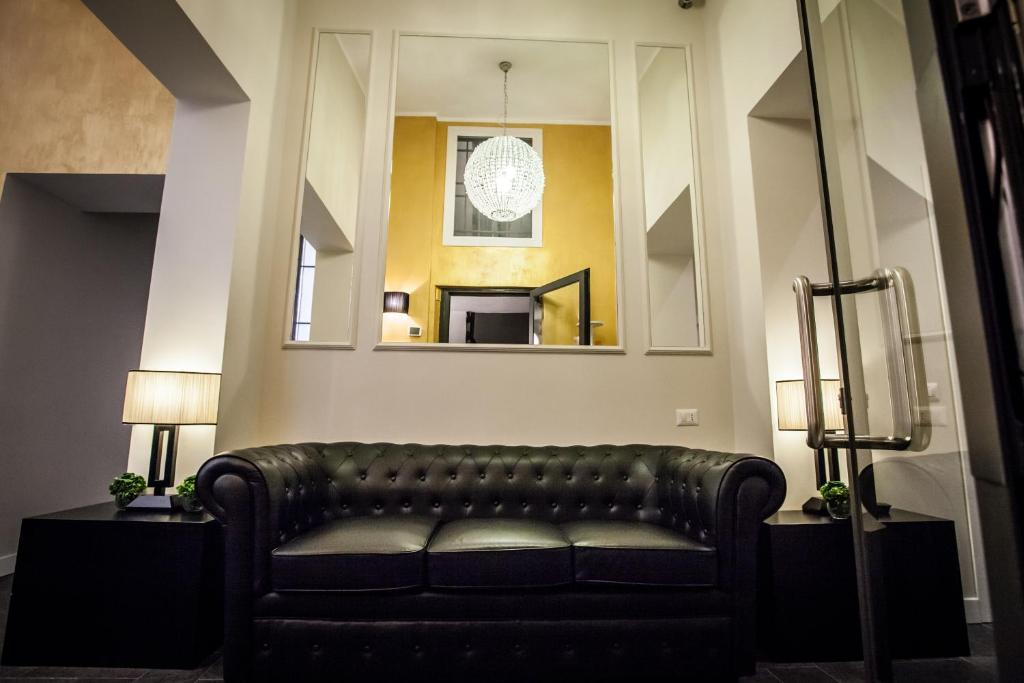 Chic town luxury rooms rome book your hotel with for Hotel rome chic