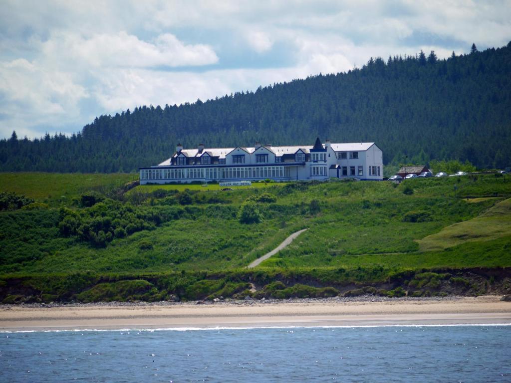 Cullen Bay Hotel