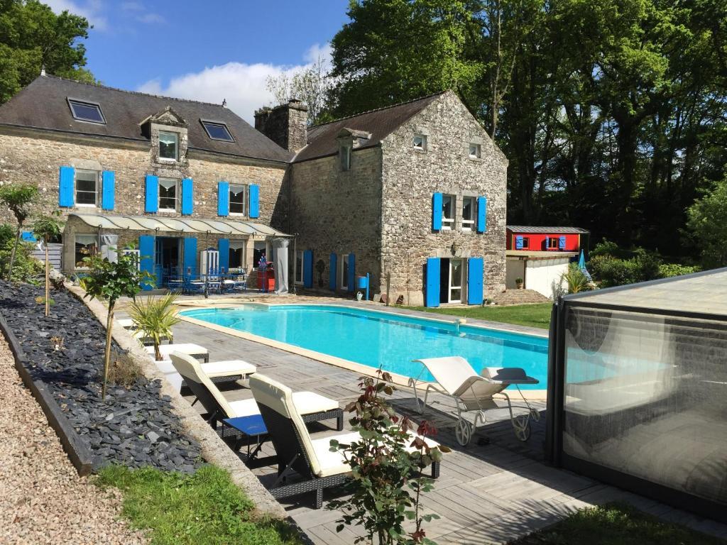 Chambres d 39 h tes le moulin du bois chambres d 39 h tes berric for Location bretagne piscine