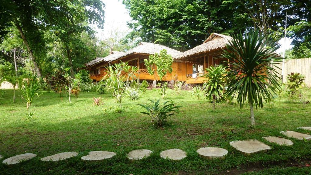 Raja laut 5 padi dive resort bunaken wori book your - Raja laut dive resort ...