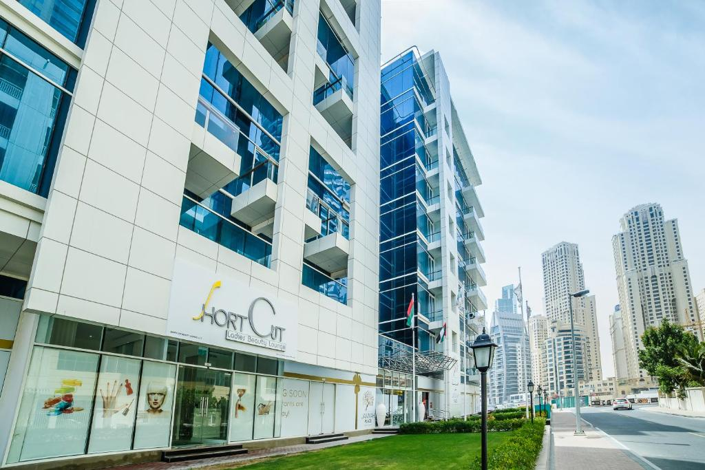 Top deals flex stay holiday homes dubai marin uae for Best hotels in dubai to stay