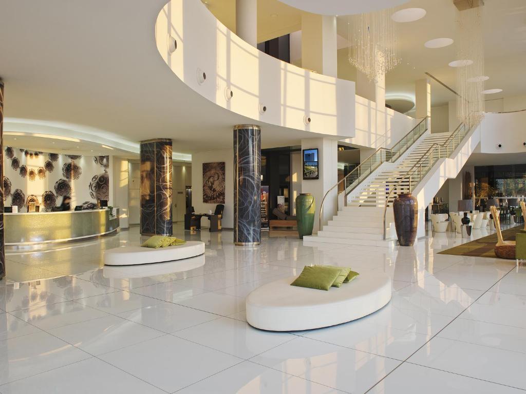 melia braga hotel spa braga reserva tu hotel con viamichelin. Black Bedroom Furniture Sets. Home Design Ideas