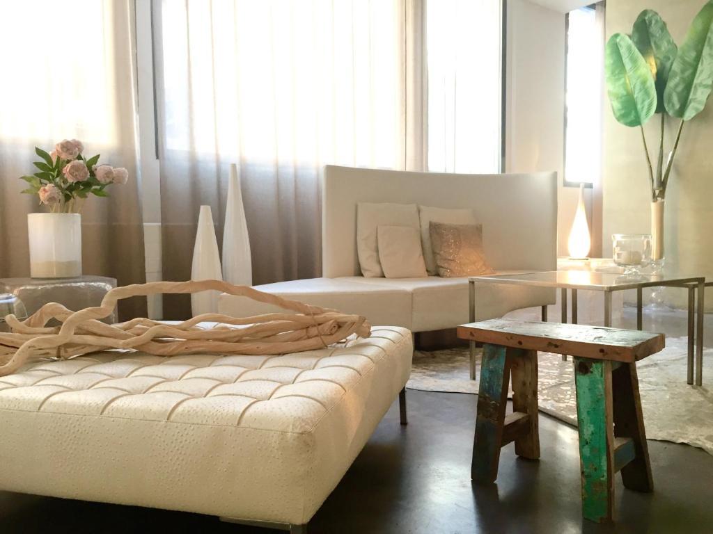 hotel design les bains douches toulouse. Black Bedroom Furniture Sets. Home Design Ideas