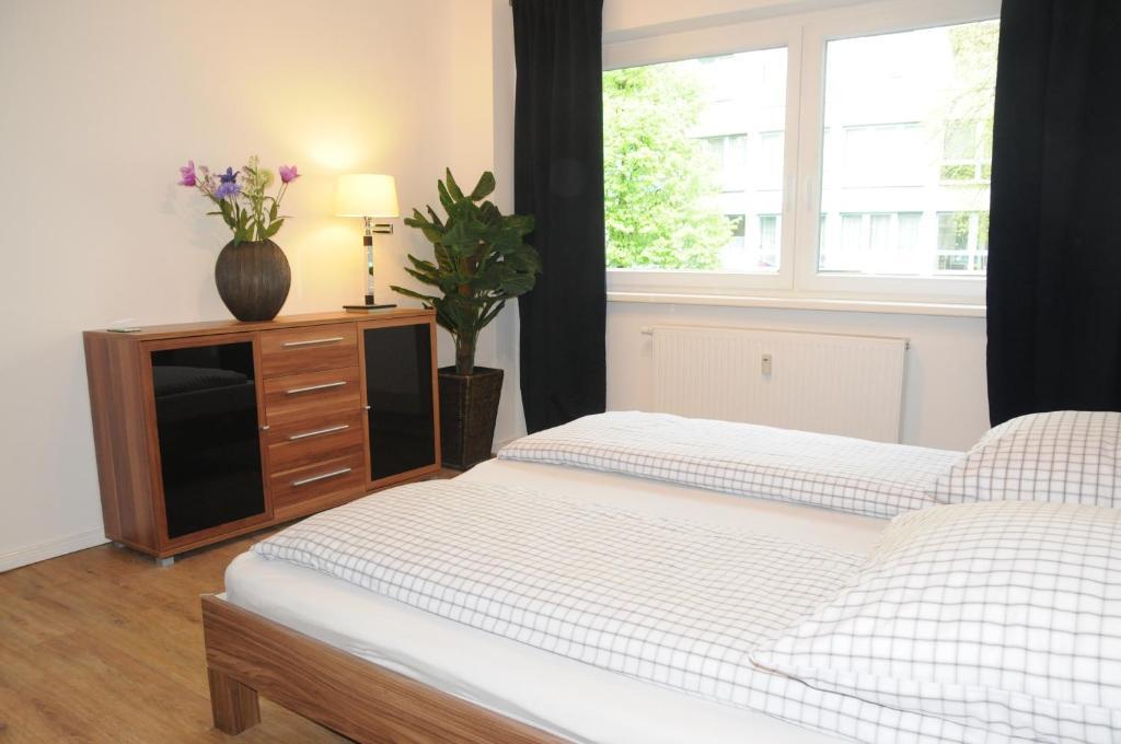 Apartment schmidt berl n reserva tu hotel con viamichelin - Schmidt cocinas opiniones ...