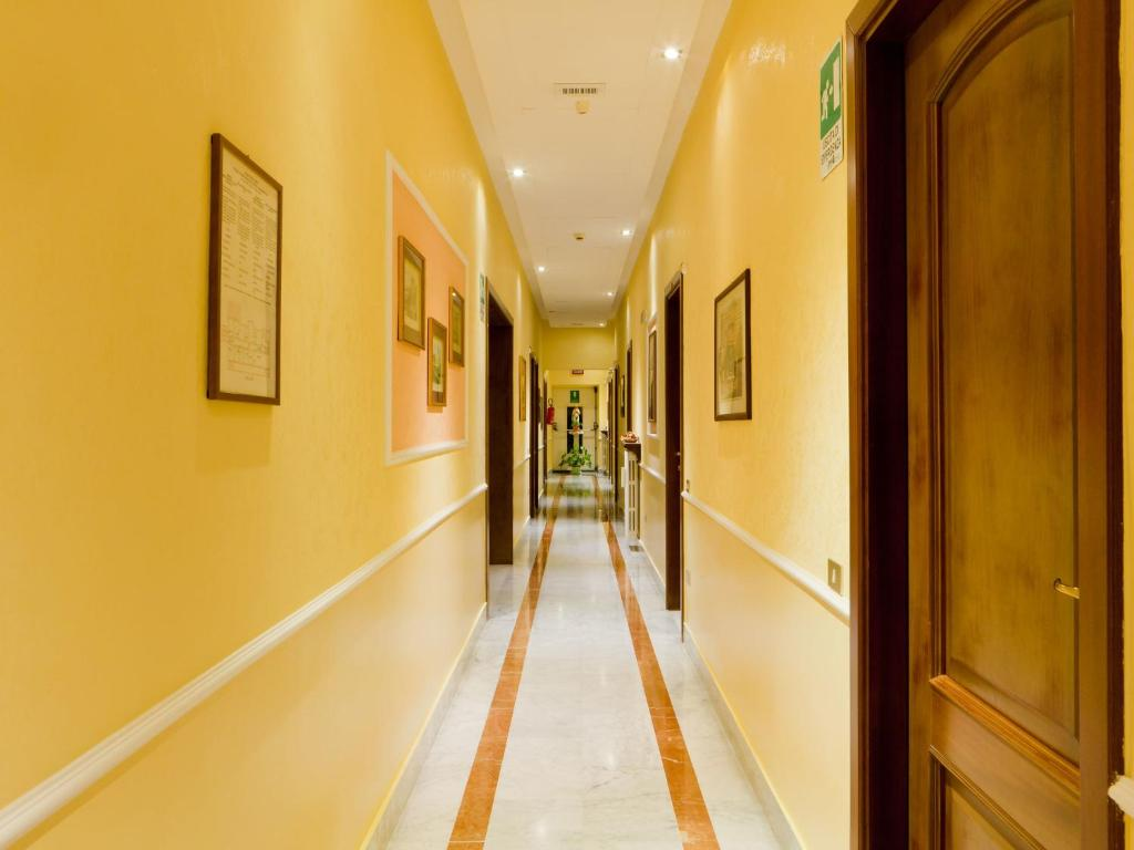 Villa Maria Regina Booking