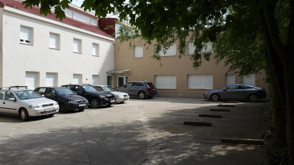 Apartment horvat zagreb reserva tu hotel con viamichelin for Hotel 9 luxury boutique zagreb