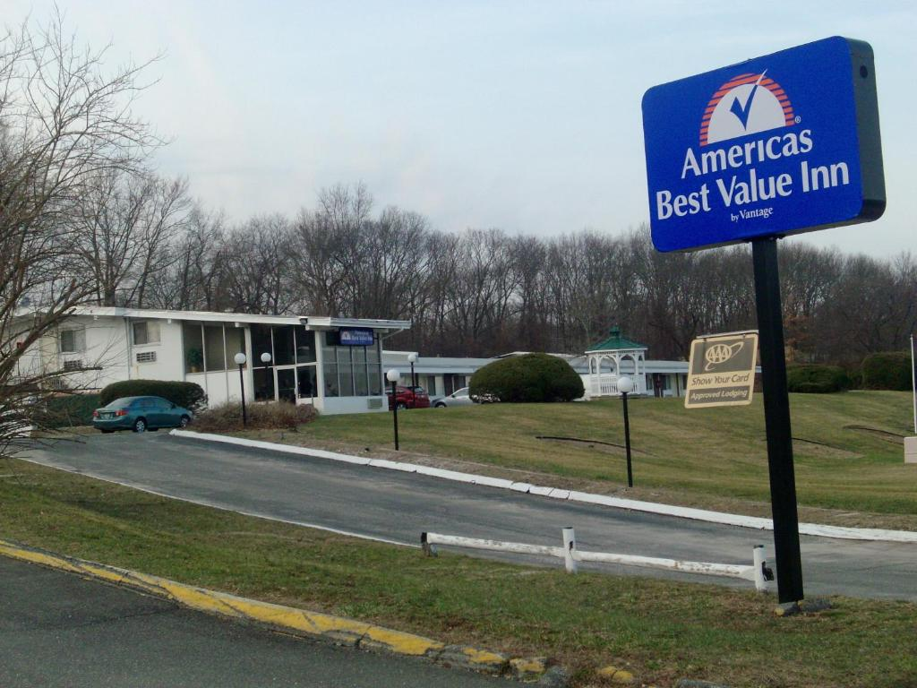Americas Best Value Inn Smithtown Long Island Smithtown