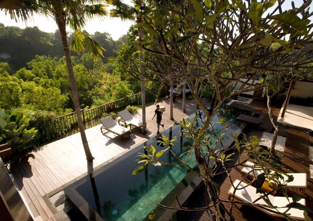 Villa karma jimbaran indonesia for Bali indonesia hotel booking