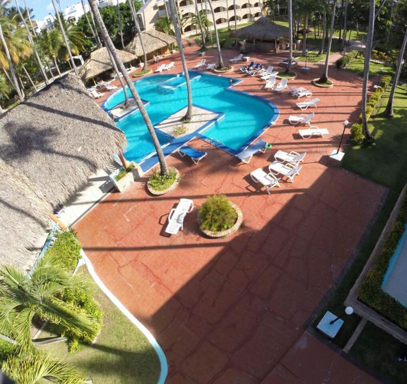 Una vista de la pileta en Hotel Cortecito Inn Bavaro o alrededores