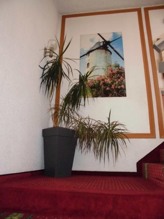 hotel le challans. Black Bedroom Furniture Sets. Home Design Ideas