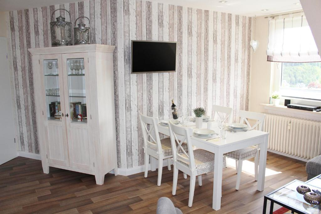 ferienwohnung l wenstein ferienwohnunge willingen mit bewertungen. Black Bedroom Furniture Sets. Home Design Ideas