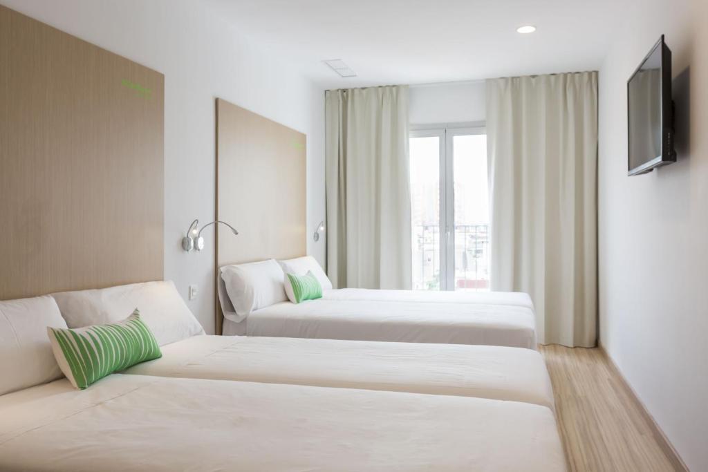 Smartroom barcelona r servation gratuite sur viamichelin for Design hotel korea