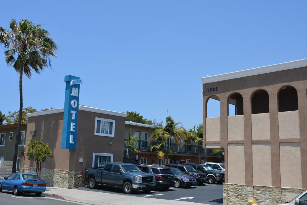 Motel  Radio Commercial