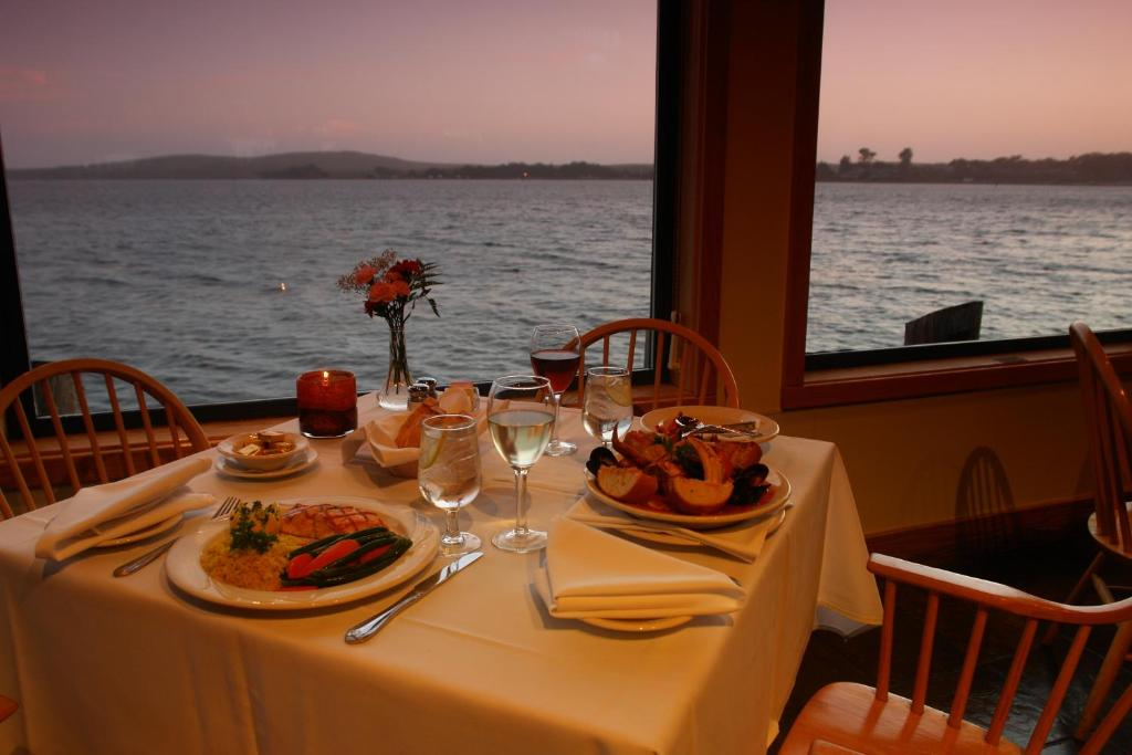 Bodega Bay Hotel Rooms