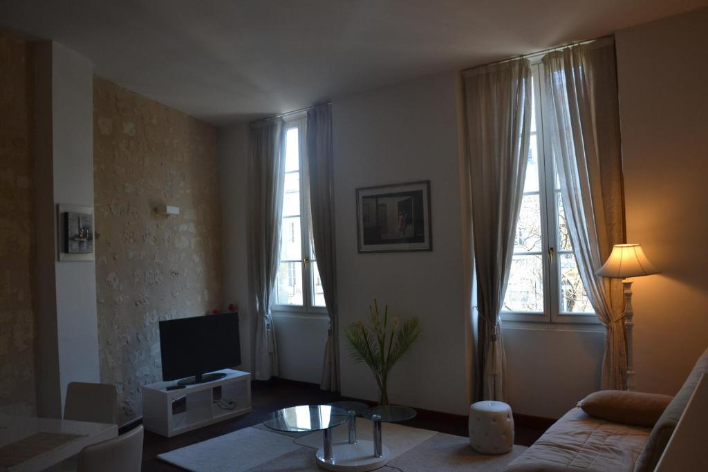 Appartement l 39 appart cours clemenceau locations de for Recherche appartement bordeaux location