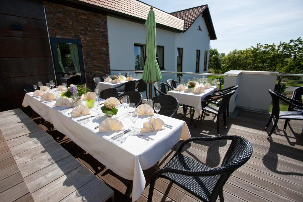 hotel zum taufstein mittelkalbach prenotazione on line. Black Bedroom Furniture Sets. Home Design Ideas