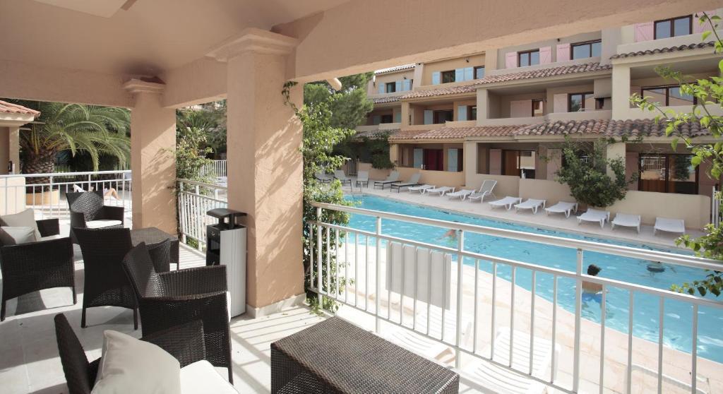 R sidence lago verde locations de vacances porto vecchio for Appart hotel porto vecchio