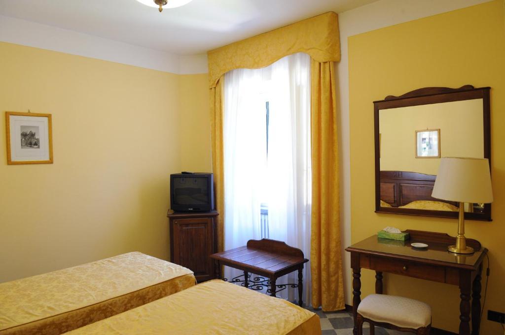 Park hotel regina bagni di lucca online booking for Hotel regina barcelona booking