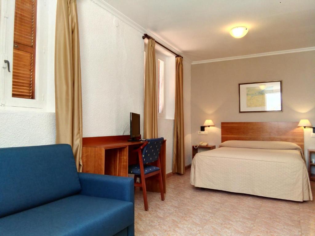 Hostal san juan el campello informationen und for Planificador de habitaciones online