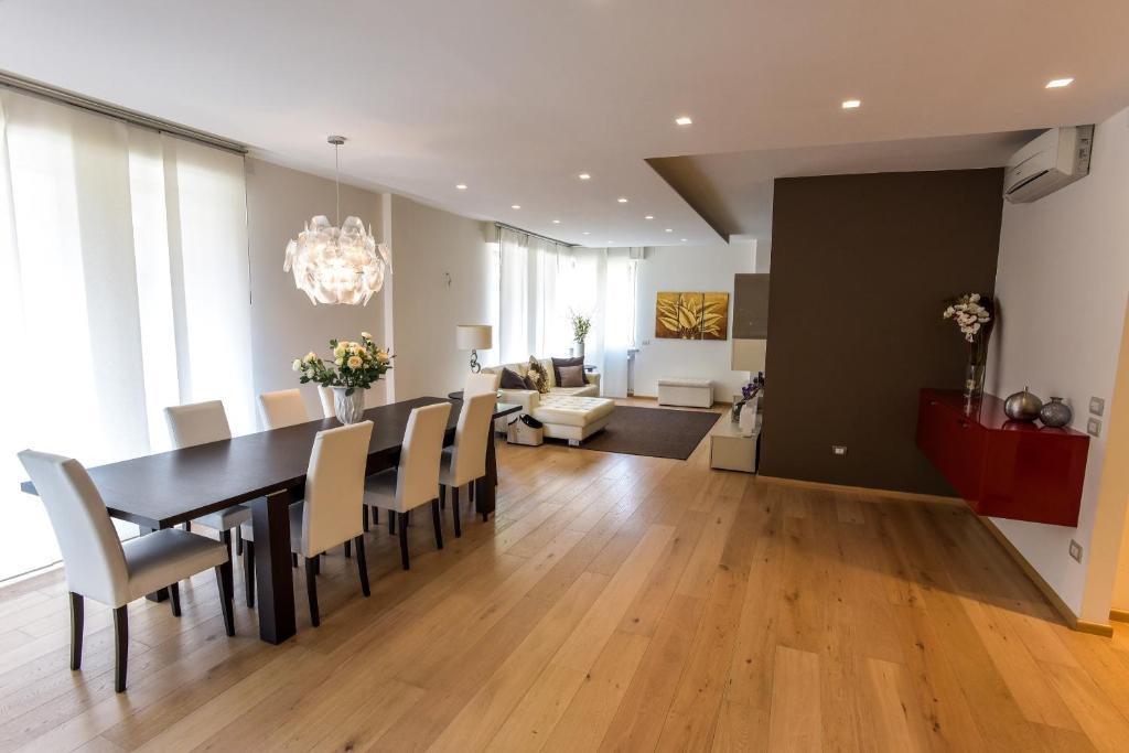 Design Apartment Verona - Verona - book your hotel with ViaMichelin