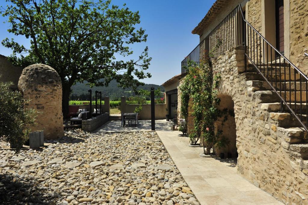 Le jour et la nuit maison d 39 h tes vaison la romaine - Hotel vaison la romaine piscine ...