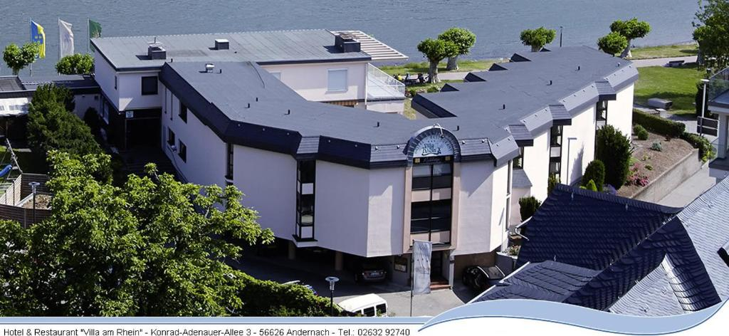 hotel villa am rhein andernach reserva tu hotel con. Black Bedroom Furniture Sets. Home Design Ideas