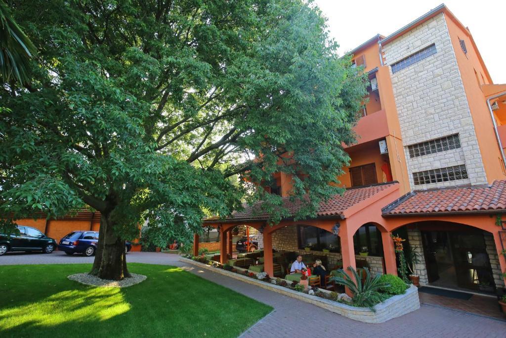 Villa Maimare Hotel