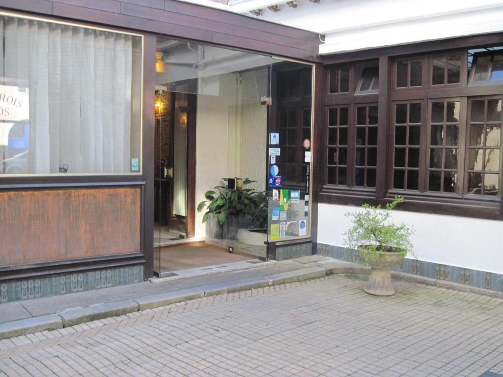 hotel des 3 marchands r servation gratuite sur viamichelin. Black Bedroom Furniture Sets. Home Design Ideas