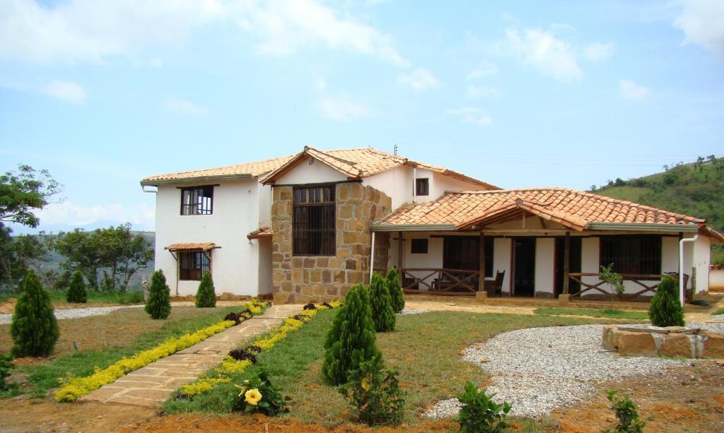 Casa de vacaciones finca casa loma barichara colombia for Casas en la finca