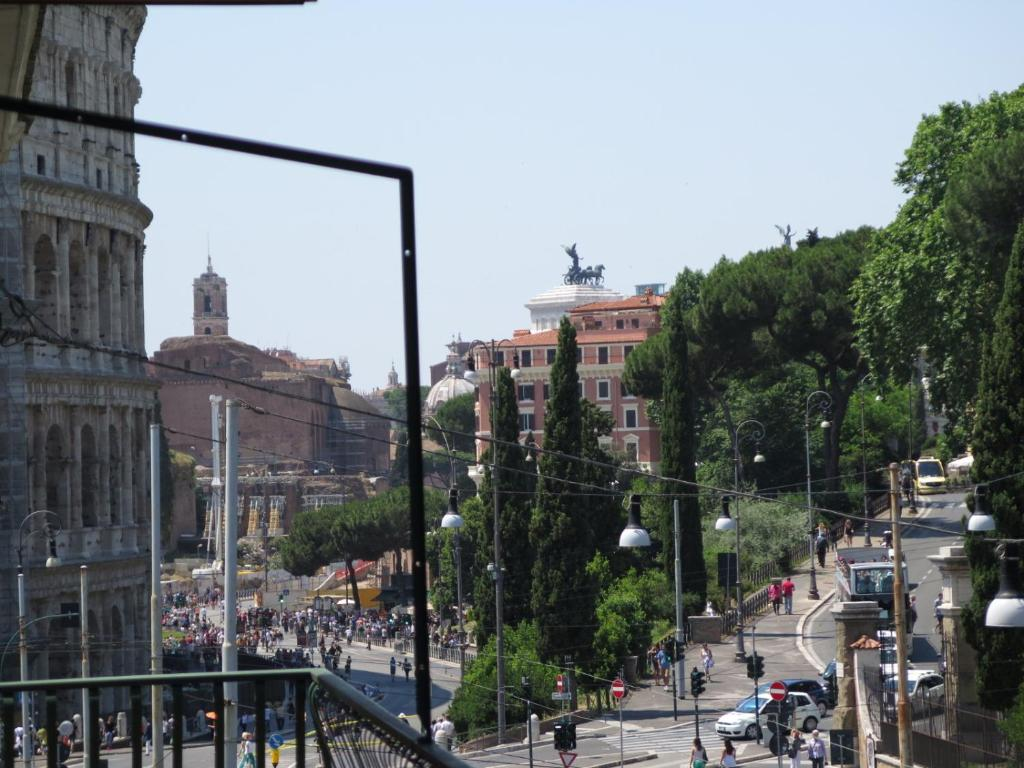 Domus labicana apartment rome italy for Domus building cleaning