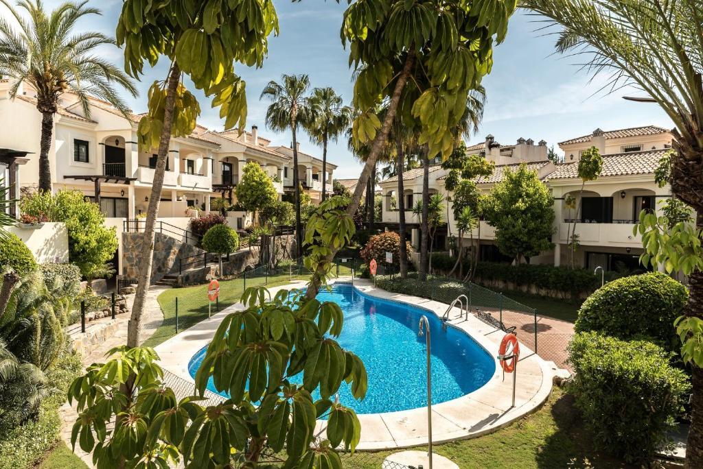 Apartamento reserva de atalaya casas de vacaciones san pedro de alcantara - Apartamentos en san pedro de alcantara ...