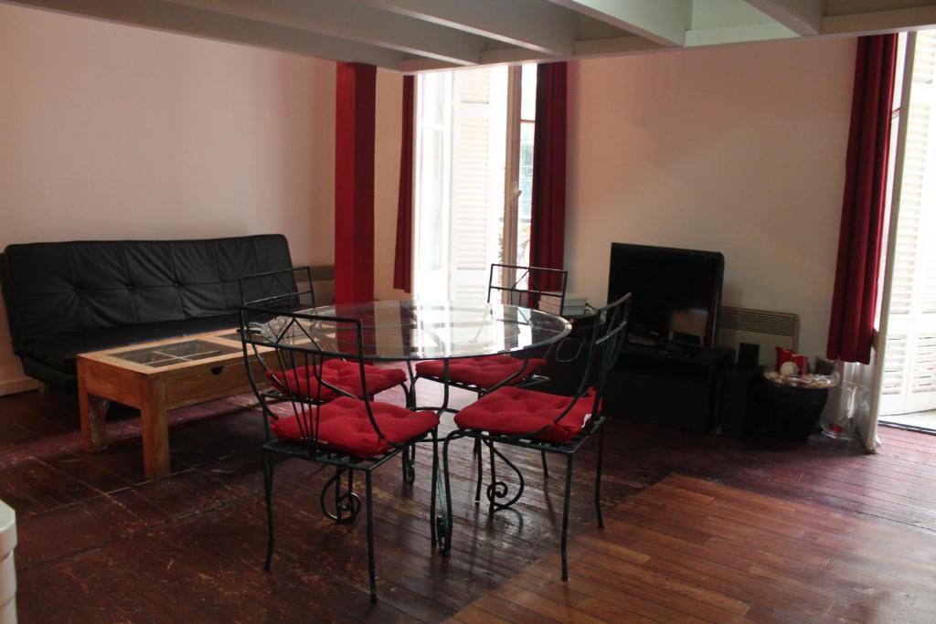 Appartement bordeaux locations de vacances bordeaux for Appartement bordeaux vacances