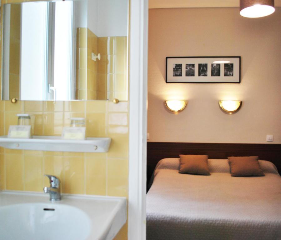 H tel avenir jonqui re paris informationen und for Hotels 75017